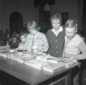 Book fair in Trondheim 1961, from UB photo archive